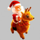 Weihnachtsmann mit Plüschrentier