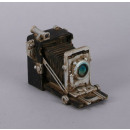 Camera from  polyresin, size 10x16 cm
