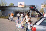 Die beliebtesten Händler in Deutschland: Drogeriemarkt dm an der Spitze