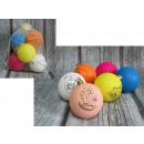 palline di plastica con un modello per dipingere 6