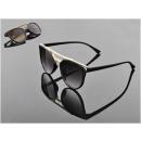 nagyker Napszemüveg: Arany keretű napszemüveg - 1 db