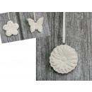 Kerámia medál fehér virágok, lepkék 8 cm sz