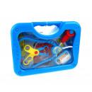 Un kit medico in un caso di plastica blu medico