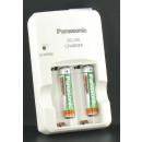Akku-Ladegerät mit 2 AAA-Batterien
