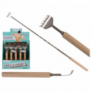 Extendible back scratcher with wooden handle, appr
