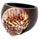 groothandel Sieraden & horloges: Ring gemaakt van  hout met shell, gesorteerd maten