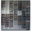 Display für 126 Sonnenbrillen