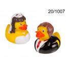 wholesale Bath & Towelling: Ducks bath - wedding couple