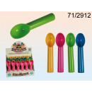 Spoon ice cream to impose