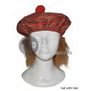 Großhandel Kopfbedeckung: Scottish Mütze mit Haaren