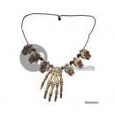 grossiste Bijoux & Montres: collier 6 crânes et main de squelette