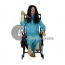 Zombie in Ton und motorisiertem Rollstuhl 1