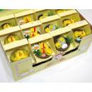 groothandel Home & Living: Kip met kuikens,  6x6x6cm in raffia mand