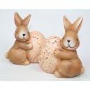 Großhandel Figuren & Skulpturen: Hase mit großem Ei 10x9x5cm handbemalt