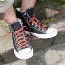 grossiste Chaussure accessoires: Lacets en noir avec des flammes rouges