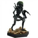 Statue extraterrestre 'grille' en xénomorp