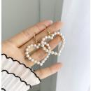 Earrings delicate pearls hearts K1183