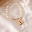 Artificial pearl bracelet with padlock B492