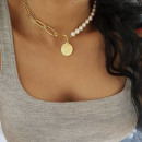Delicate pearl necklace gold N714