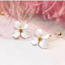 EARRINGS WHITE K900B FLOWERS