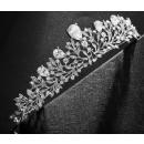 Wedding band with tiara O150 crystals