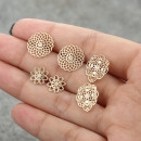 A set of three pairs of earrings gold K1074