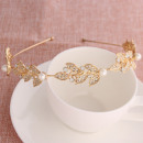 Gold hair band with O198 crystals