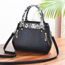 wholesale Handbags:Black snake bag T181