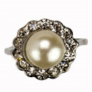 Mother of pearl ring with stones