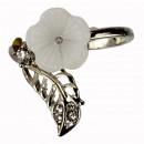 Parelmoer bloem ring