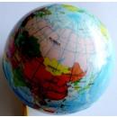 Gummiball mit der Weltkarte
