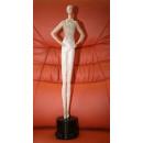Tänzer-Figur auf Kunststoffsocke, zart und elegant