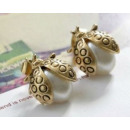 K029 Ladybug Ladybug Earrings PEARL retro