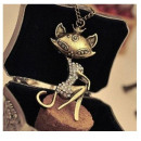 N069 Necklace Pendant CAT Crystals Vintage