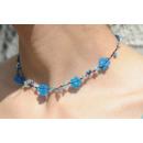 Großhandel Schmuck & Uhren: Dehnbare Halskette BLAUE BLUMEN