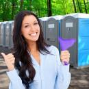 WEIBLICHES URINAL: Piss stehendes weibliches Urina