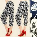 Großhandel Hosen: C1717 LOOSE PANTS, SHORTS 3/4 , BLUMEN