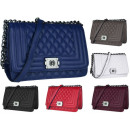 CHANEL FB182 quilted handbag
