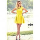 Kleid Schloss abgefackelt gelb