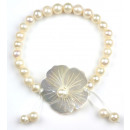 wholesale Jewelry & Watches: Freshwater Pearl Bracelet Flower