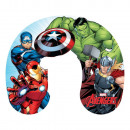 wholesale Cushions & Blankets: Pillow on a journey 28 / 33cm Avengers