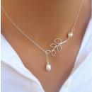 ingrosso Gioielli & Orologi: Collana con foglie e perla elegante