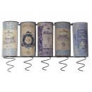 Weinregale mit Metallbügeln für Weinflaschen