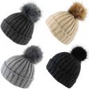 Großhandel Kopfbedeckung: Bommelmütze Winter Strick Wolle Kunstfell Knopfver