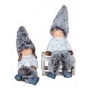 Enfants d'hiver avec chapeau en tissu et jambe