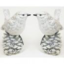 Ceramiczny ptaszek 12x9cm biało-szary na szyszkach