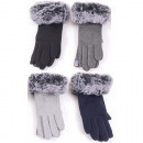 Winter women's glove with fur cover
