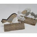 Fa madár széles fatörzsön 9.5x7x4.5cm