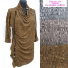 Lenyűgöző ruha, arany gombok, UNI, 5260