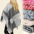 FL268 Ample SHAWL, Schottenkaro, Ponchos, MODEL in